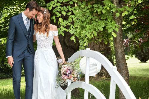 Hochzeitsmode Brautkleid Hochzeitsanzug